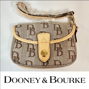 Dooney and Bourke small wristlet clutch pouch NWOT